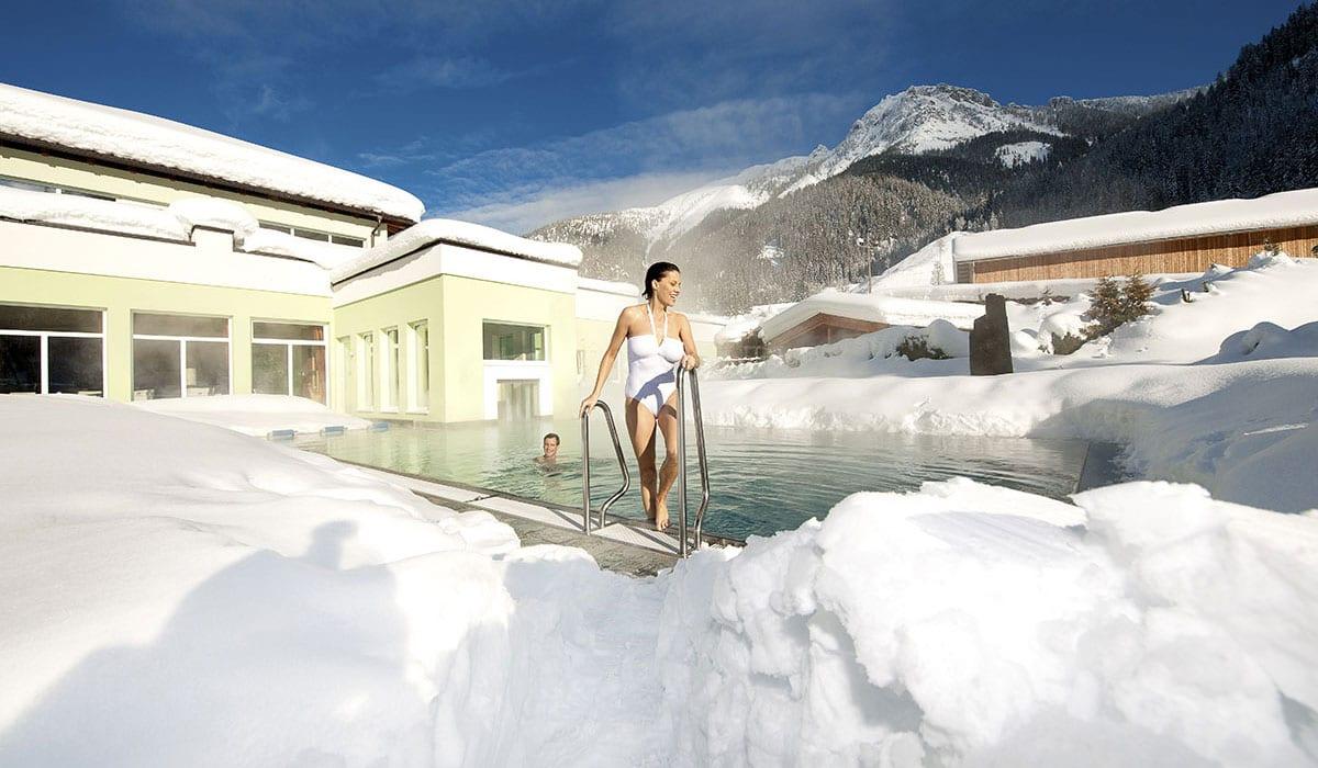 Hotel mit Außenpool
