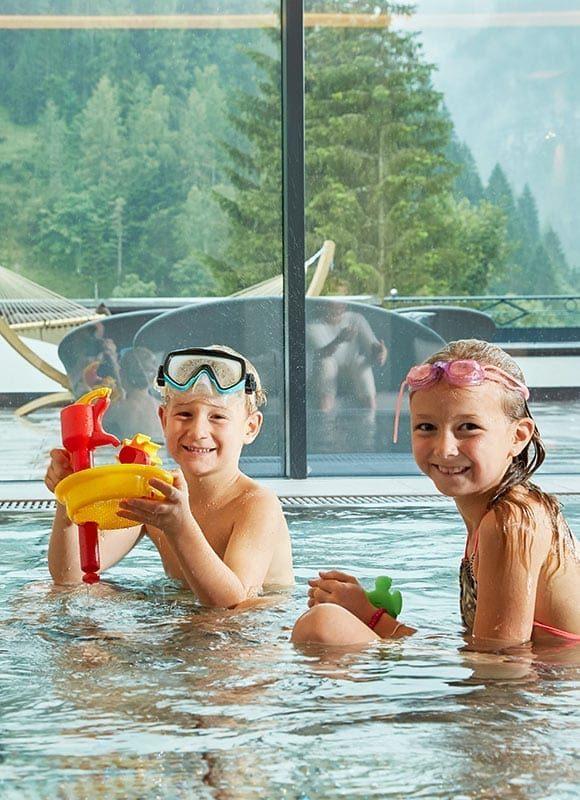 Kinderbecken für den Familienurlaub im Wellnesshotel