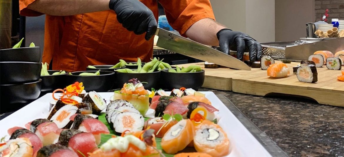 Live-Sushi Cooking
